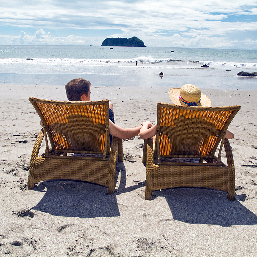 Thumb Couple Sitting Beach